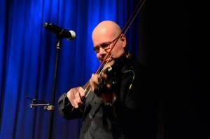 Quax spielt Geige
